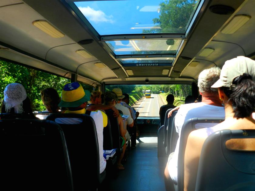 O ônibus oferecido pelo Parque Nacional de Foz do Iguaçu